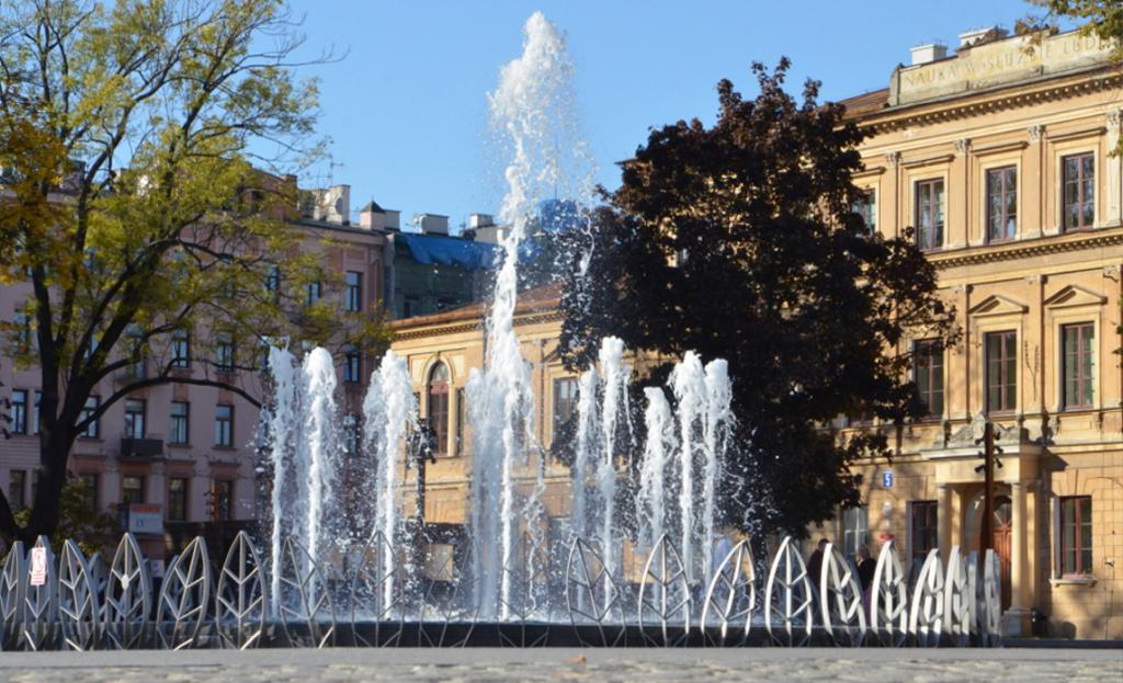 Fontanna multimedialna na Placu Litewskim